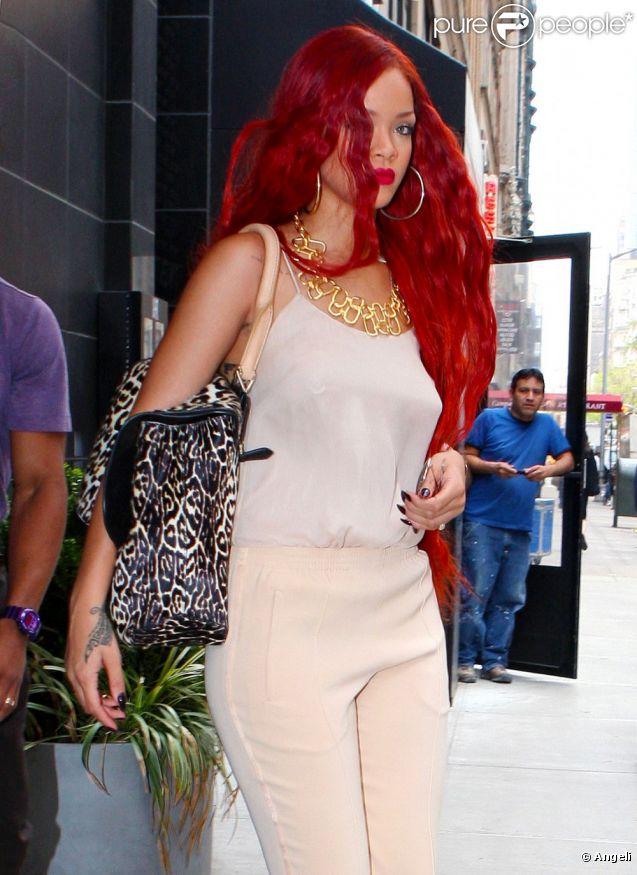 Rihanna sort du restaurant de Philippe Chow à New York, le 3 mai 2011