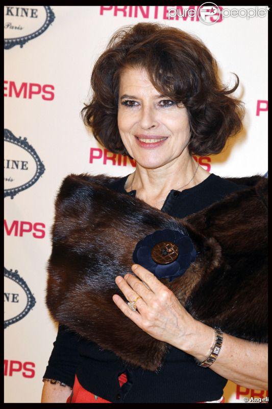 Fanny Ardant lors de l'inauguration du Fashion Café Pouchkine dans le magasin Le Printemps à Paris en février 2011