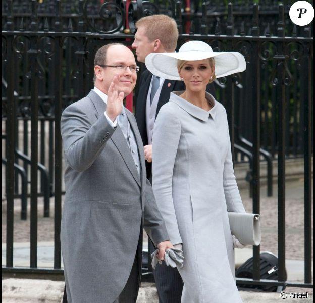 Le prince Albert et sa fiancée Charlene Wittstock au mariage de Will et Kate, le 29 avril 2011.