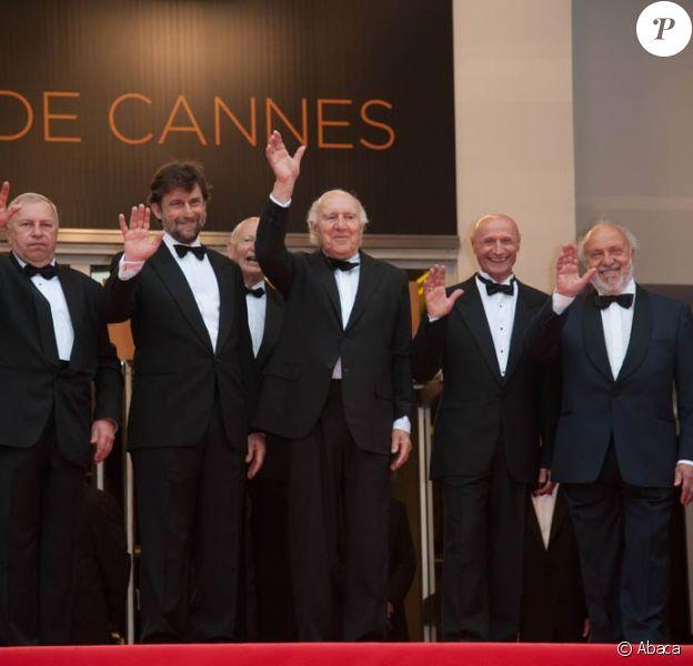 Nanni Moretti et Michel Piccoli lors de la montée des marches pour le film Habemus Papam, dans le cadre du 64e Festival de Cannes, le 13 mai 2011.