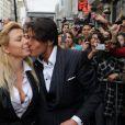 Cindy et Giuseppe, lors d'une séance de dédicace à Paris, le 30 mars 2011, alors qu'ils étaient toujours en couple.