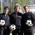 Joël Cantona (photo : match de bienfaisance, en 2009, avec son frère Jean-Marie et Jean-Christophe Marquet) a postulé, jeudi 19 mai 2011, pour la reprise du club de football du SCO Angers, où il évolua de 1989 à 1991, et actuellement en Ligue 2. Il aurait proposé 1,5 million d'euros.
