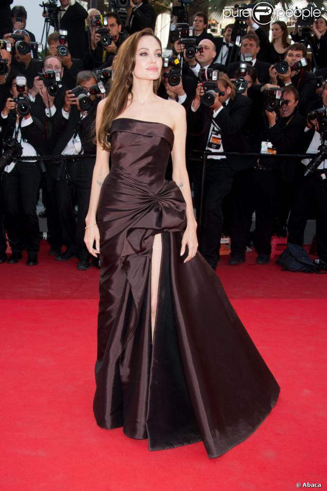 db87102c224 Angelina Jolie a brillé sur le tapis rouge du 64ème Festival de Cannes. 17  mai