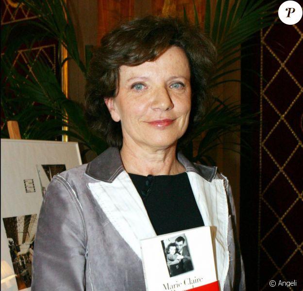 Marie-Claire Pauwels en mai 2003, lors de la réception de son Prix Roger-Nimier, pour la biographie de son père Louis Pauwels, intitulé Fille à papa.