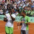 Entre Teddy Riner et Jo-Wilfried Tsonga, le courant est bien passé ! Samedi 21 mai 2011, chaude ambiance à la Porte d'Auteuil, pour l'ouverture des Internationaux de France de Roland-Garros !