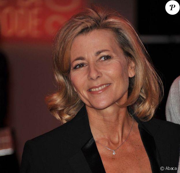"""Claire Chazal participe, le 31 mai 2011, au lancement de l'opération """"2000 femmes pour 2012"""", de la Fondation K d'urgences."""