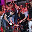 Après leur sacre à Fulham, face à l'équipe de Potsdam, les footballeuses de l'équipe féminine de l'Olympique Lyonnais fêtent leur victoire en finale de la Ligue des Champions, dans une boîte de nuit lyonnaise, vendredi 27 mai 2011.