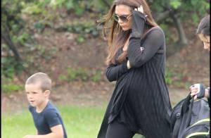 Victoria Beckham : Enceinte, elle ne lâche pas ses talons, même pour son fils !