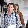 Molly Sims et Scott Stuber à l'aéroport de Los Angeles en avril 2011