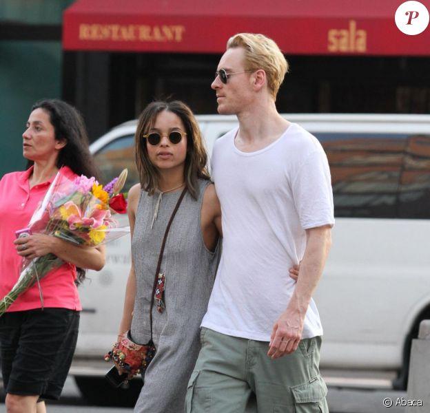 Zoë Kravitz et son chéri Michael Fassbender dans les rues de New York le 29 mai 2011