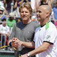 Le 4 juin 2011, Andre Agassi était de retour à Roland-Garros, 12 ans après sa victoire, le temps d'un match exhibition avec une autre légende américaine, Jim Courier.