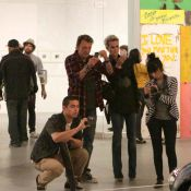 Johnny Hallyday, Laeticia et Laura Smet succombent à la folie du street art