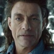 Van Damme : serré dans son jean, il nous offre une publicité hors du temps !