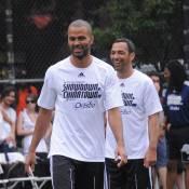 Tony Parker s'éclate à Manhattan avec Youri Djorkaeff et Patrick Vieira