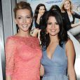 Le 23 juin 2011 à New York, Katie Cassidy et Selena Gomez à l'avant-première de Monte Carlo