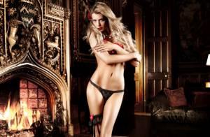 La sublime Elle Liberachi vous envoie des baisers en lingerie...