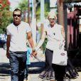 Gwen Stefani passent la journée avec son mari Gavin Rossdale et ses fils Kingston et Zuma à Los Angeles, le 2 juillet 2011. Un couple amoureux et très épanoui.