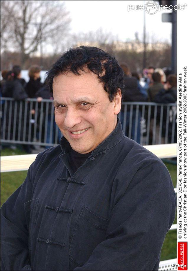 Le couturier tunisien Azzedine Alaïa, auteur des déclarations sur Anna Wintour et Karl Lagerfeld, a refusé sa Legion d'Honneur. A Paris, le 8 mars 2003.