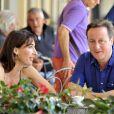 Le premier ministre britannique David Cameron et son épouse Samantha profitent de quelques jours de vacances en Italie, le 31 juillet 2011 : ils louent une villa près de Sienne.