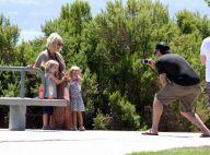 Tori Spelling, enceinte, son mari et ses adorables enfants jouent les top models