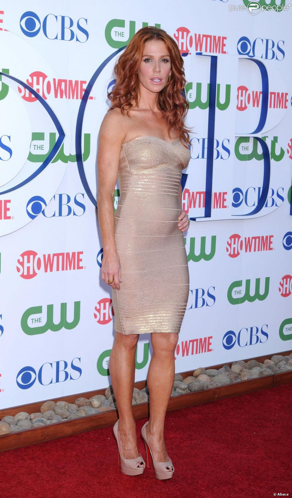 Poppy Montgomery, très sexy en rousse, lors de la TCA party (Television Critics Association) à ...