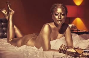 Holly Valance : Presque nue et couverte d'or, la chanteuse va vous éblouir
