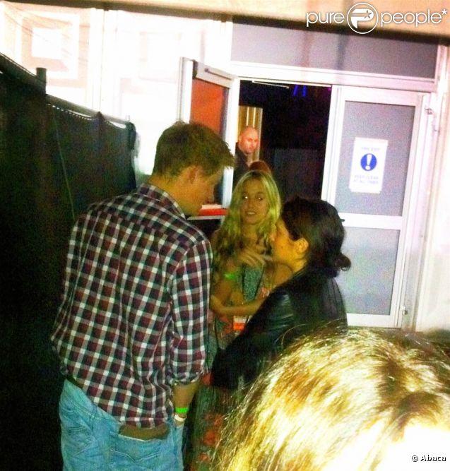Le prince Harry et Florence Brudenell-Bruce ensemble au concert de sKillers à Hyde Park, en coulisses, en juillet 2011. A peu près la seule image de leur brève romance.   Après moins de deux mois de love story, le prince Harry a mis un terme à sa romance avec le mannequin Florence Brudenell-Bruce en août 2011.