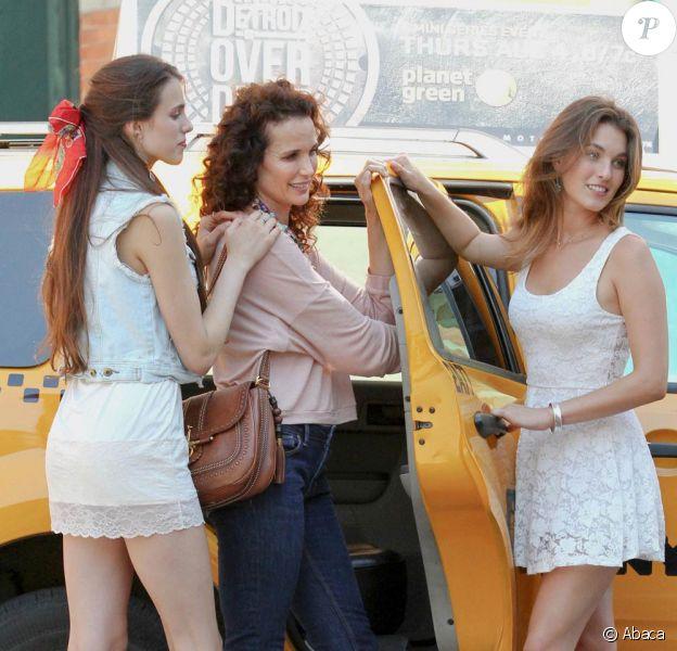 Andie MacDowell et ses ravissantes filles Rainey et Sarah, à New York. Juillet 2011