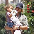 Gabriel Aubry récupère sa petite Nahla dont il partage la garde avec Halle Berry, à Los Angeles, le 19 août !