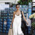 Halle Berry fait du shopping dans les rues de Los Angeles, le 19 août 2011