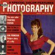 Mars 1956 : l'actrice Brigitte Bardot pose en couverture du magazine américain  Popular Photography .