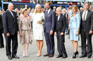Mette-Marit et Haakon superbement entourés pour leurs dix ans de mariage
