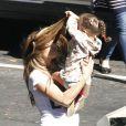 Jennifer Lopez profite des moindres moments de répit durant le tournage de son clip Papi pour profiter de ses enfants...
