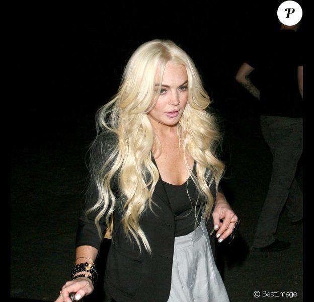 Lindsay Lohan est apparue, mardi 6 septembre, à la sortie du salon de coiffure Byron & Tracey de Los Angeles.