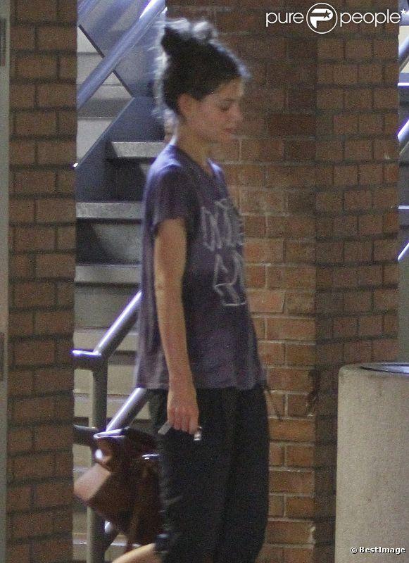 Katie Holmes toute transpirante à la sortie de la gym en Californie, le 6 septembre.