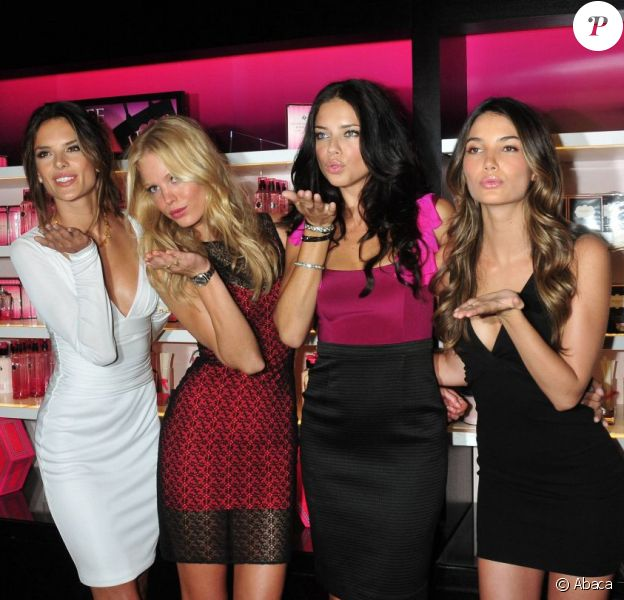 Alessandra Ambrosio, Erin Heatherton, Adriana Lima et Lily Aldridge célèbrent la Fashion's Night Out à la boutique Victoria's Secret à SoHo. New York, 8 septembre 2011
