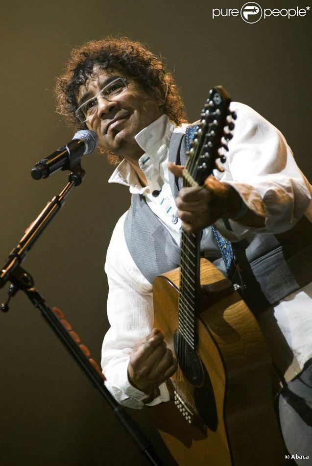 Laurent Voulzy revient à l'automne 2011 avec un premier album studio original depuis 2001 et Avril. Le 13 septembre, il dévoilera  Jeanne , qui a inspiré des mots exaltés à Nathalie Rheims.