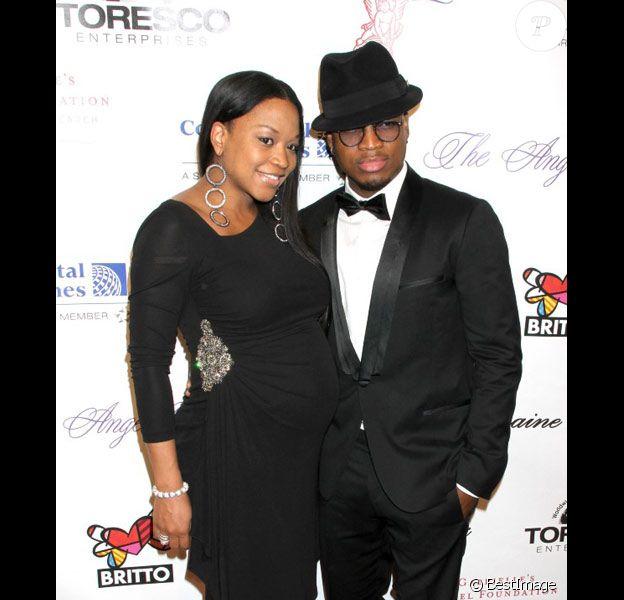 Ne-Yo et sa compagne Monyetta Shaw posent lors d'une soirée à New-York en octobre 2010