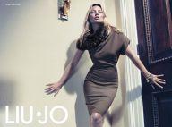 Kate Moss séduit avec ses poses sexy et son charme envoûtant