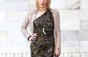 Jean-Paul Belmondo : Lunettes noires et son amoureuse pour honorer la mode