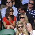 Pippa Middleton et son boyfriend Alex Loudon à Wimbledon fin juin 2011. Après trois ans d'une romance qui semble se dérouler idéalement, les fans attendent des fiançailles...