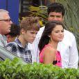 Justin Bieber et Selena Gomez décoiffés par l'hélico à Rio de Janeiro au Brésil, le 4 octobre 2011