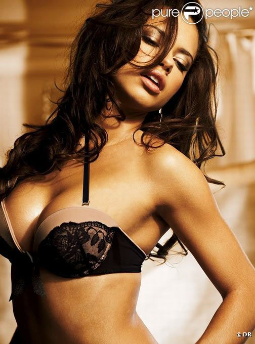 Adriana Lima pour Victoria's Secret dévoile son corps toujours plus sexy