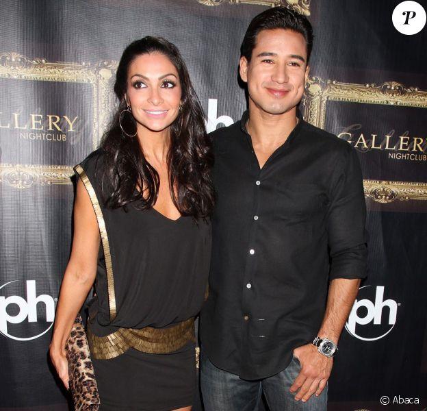 Mario Lopez et sa compagne Courtney Mazza, à Las Vegas le 9 octobre 2011