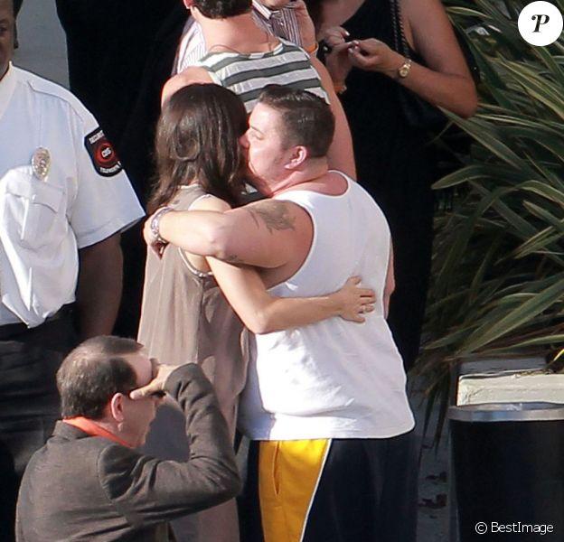 Chaz Bono et Jennifer Elia en coulisses de l'émission Dancing With The Stars, diffusée sur ABC. 11 octobre 2011