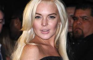 Lindsay Lohan battue par Carmen Electra et son décolleté ravageur