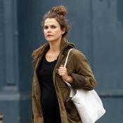 Keri Russell, enceinte, imite Jennifer Garner avec son look très décontracté