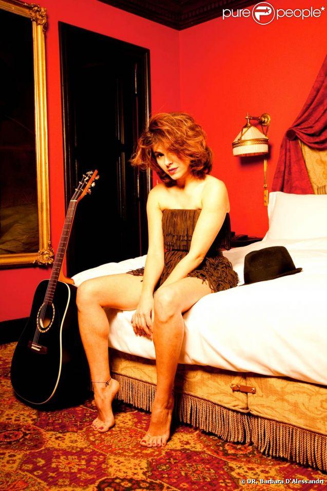 Despina Ricci fait appel à quelques guests de qualité pour attirer les regards et les tympans sur  What I Am , chanson-titre de son premier album.