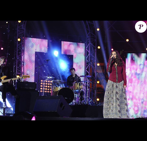 Elisa Tovati durant le concert de la Tolérance à Agadir au Maroc le 15 octobre 2011