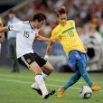 Qui peut prétendre détrôner en janvier 2012 Lionel Messi, double détenteur du FIFA Ballon d'Or 2009 et 2010 ? Le Brésilien Neymar, sensation de l'année, se hissera-t-il en finale du Ballon d'or 2011 ?